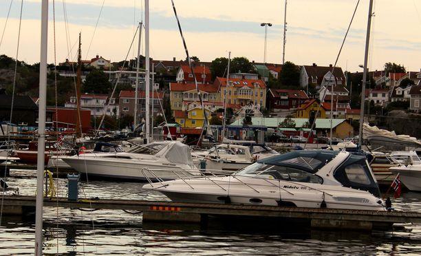 Ruorijuoppo pakeni poliisia veneellään. Kuvituskuva.