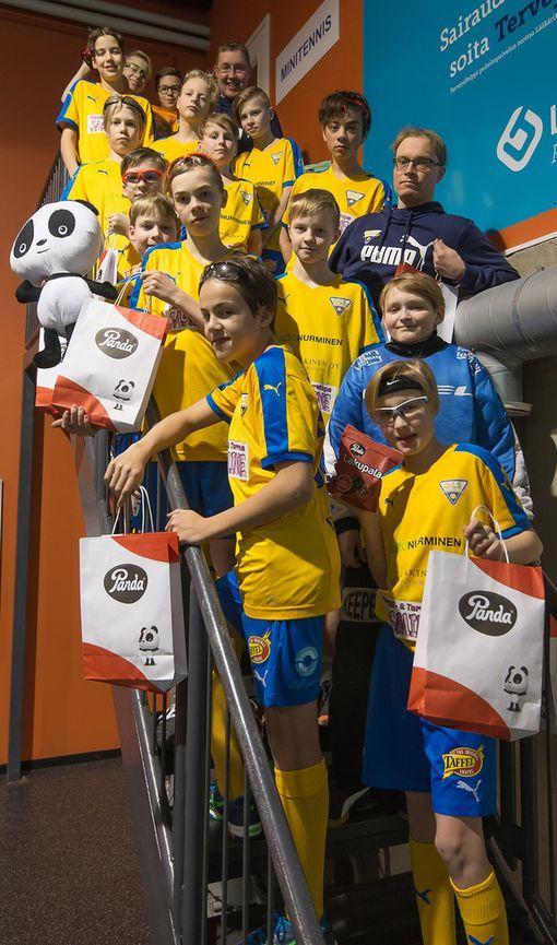 OLS:n 04-poikien kilpajoukkue osallistuu toukokuussa Tallinnassa pelattavaan salibandyturnaukseen.