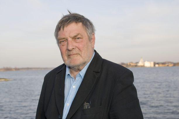 Runoissaan Claes Andersson otti kantaa yhteiskunnallisiin epäkohtiin.
