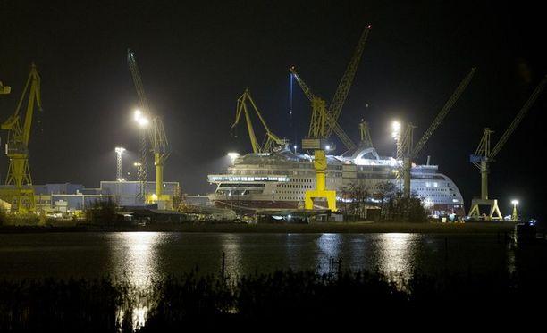 Saksalainen Meyeer Werft ostaa loputkin Turun telakasta. Tällä hetkellä valtio omistaa telakasta 30 prosenttia.