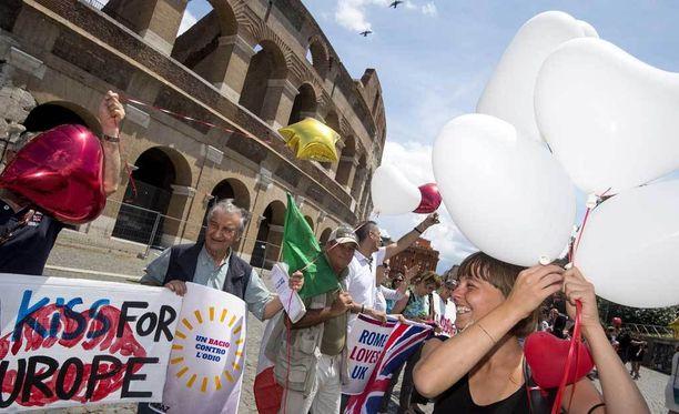Italiassa osoitettiin mieltä Brexit-äänestystä vastaan.