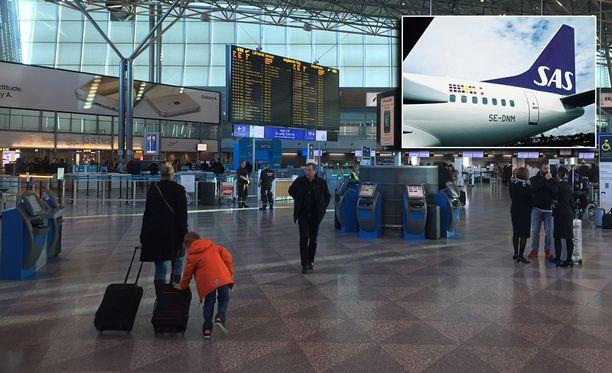 Matkustajakone jäi maahan pommiuhkauksen takia lauantaina.