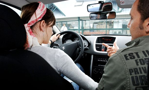 Ajokorttiopetus uudistuu vuoden vaihteessa.