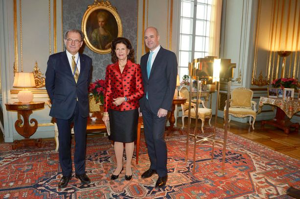 Kuningatarta olivat onnittelemassa myös puhemies Per Westerberg ja pääministeri Fredrik Reinfeldt.