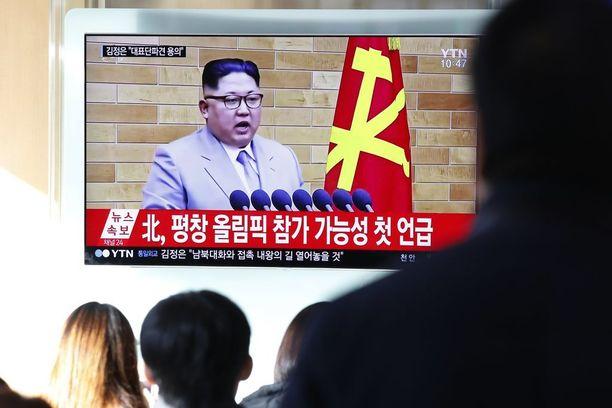 Kim Jong-un sanoi uuden vuoden puheessaan, että ydinaseiden laukaisunappi on hänen yöpöydällään, mutta kertoi toivovansa parannusta suhteisiin Etelä-Korean kanssa.