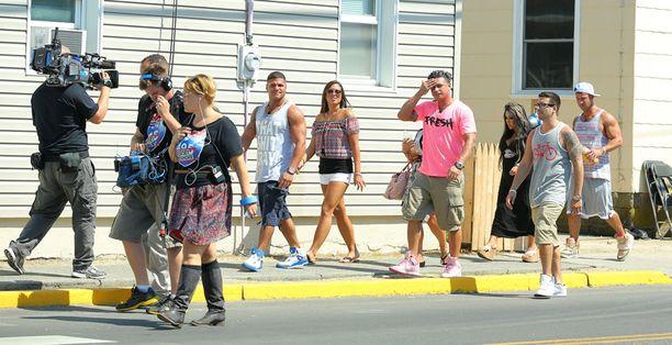 Kuvausryhmä seurasi Jersey Shore -päätähtien iltapäivän viettoa.
