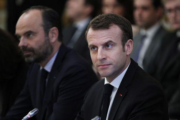Emmanuel Macron astelee tänään ranskalaisten eteen ja pitää puheen televisiossa.