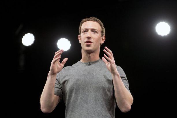 Zuckerbergin on epäilty harkitsevan politiikkaan lähtemistä. Tällaiset tavallisten ihmisten tapaamisiin liittyvät tempaukset voisivat hyvinkin liittyä siihen.