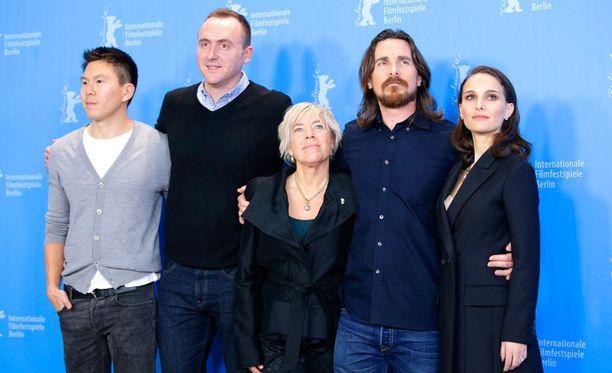 Tuottajat Ken Kao, Nicolas Gonda ja Sarah Green sekä näyttelijät Christian Bale ja Natalie Portman edustivat Berliinin elokuvajuhlilla. Elokuvan ohjaaja Terrence Malickia ei paikalla näkynyt.