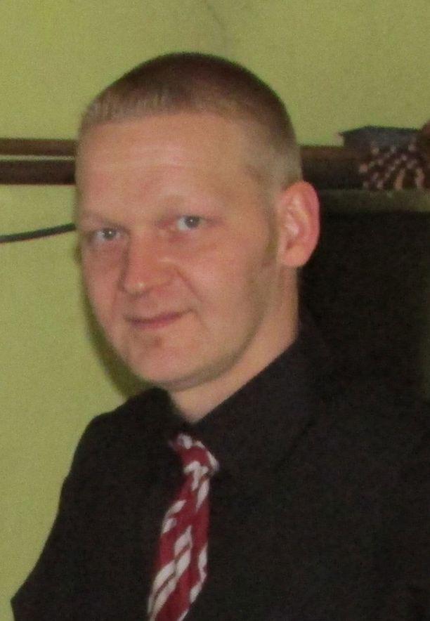 Sisä-Suomen poliisi etsii huhtikuussa Kangasalta kadonnutta Toni Tikkasta.