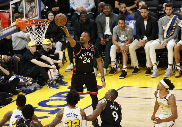 Toronto Raptorsin Norman Powell pussitti kahden pisteen arvoisesti maaliskuussa.