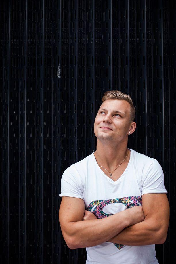 Daniel Lehtonen on mukana Nelosen Hottikset-sarjassa, joka alkaa tiistaina.
