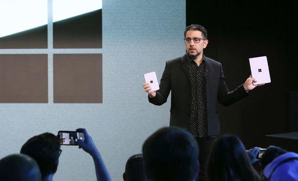 Panos Panay esitteli Microsoftin uusia tuotteita.