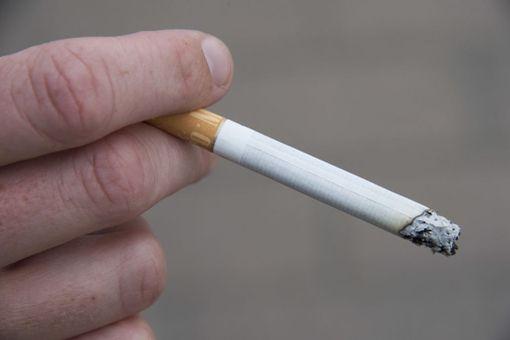 Laki mahdollistaa myös asuinhuoneiston sisätiloja koskevan tupakointikiellon.