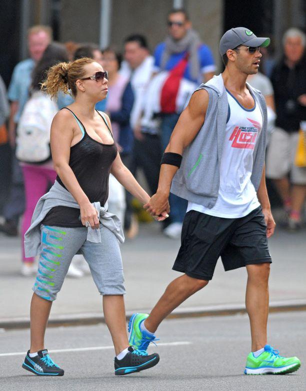 Mariah ja hänen kunto-ohjaajansa kävelylenkillä New Yorkissa muutama kuukausi sitten.