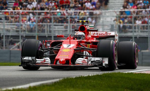 Kimi Räikkönen kellotti perjantain harjoitusten parhaan kierrosajan Montrealissa.