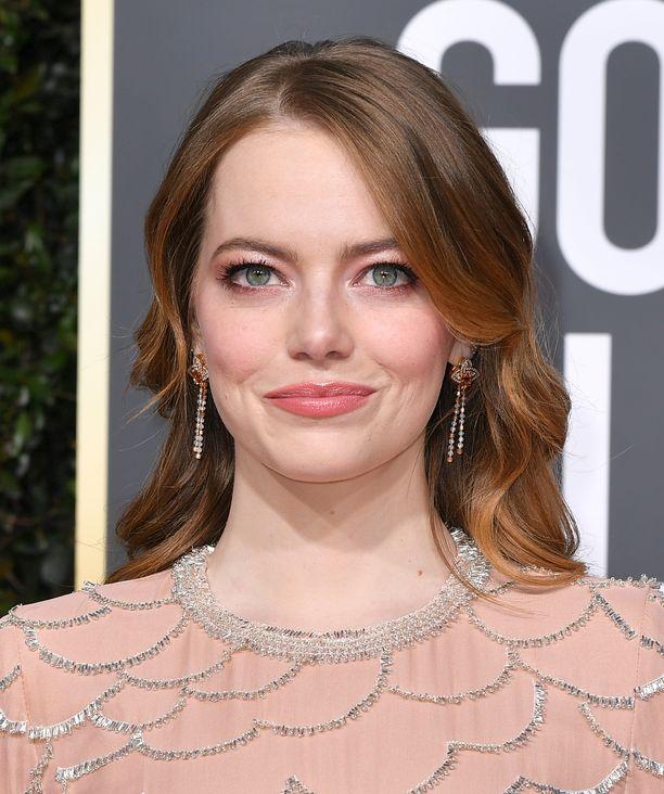 Vielä Golde Globe -gaalassa Emman sävy oli vaaleampi.