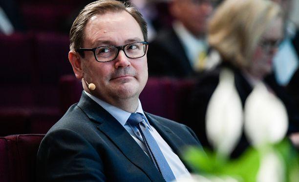 Veli-Matti Mattila sai kritiikkiä niin vasemmalta kuin oikealtakin arvioituaan, että suomalaisten palkat ovat liian korkealla tasolla.