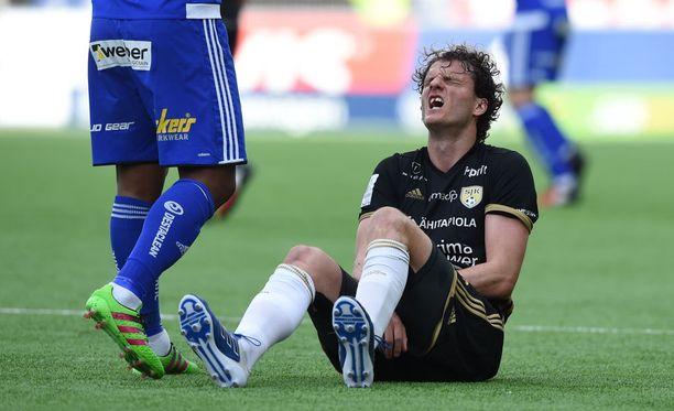 Mehmet Hetemaj'n loukkaantuminen ja 0-6-tappio - SJK:n keskiviikko oli synkin miesmuistiin.