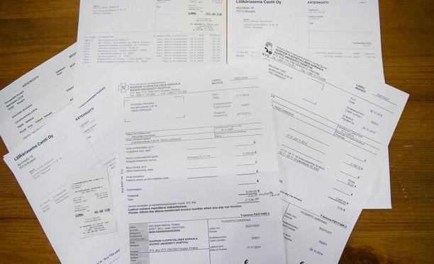 Kuluttajaliiton mielestä paperilaskua joutuvat usein käyttämään vähävaraiset ja ne, joilla ei ole mahdollisuutta käyttää verkkopankkia tai älypuhelinta. Kuvituskuva.