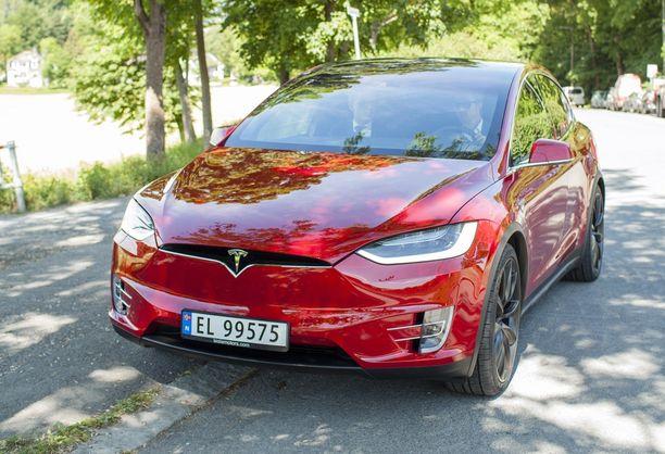 Tesla Model X:llä ei ole aiemmin ollut kilpailijoita täyssähkö-SUVien markkinoilla. Nyt Jaguar on ensimmäinen ja lisää on tulossa.