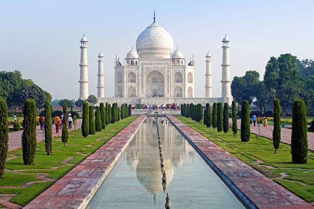 Kaunis Taj Mahal on hautamuistomerkki.