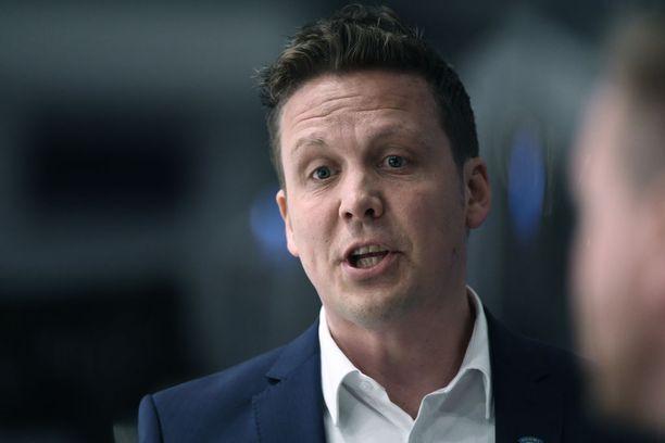 Lauri Marjamäki koutsasi Leijonat lohkovoittoon jääkiekon MM-kisoissa.
