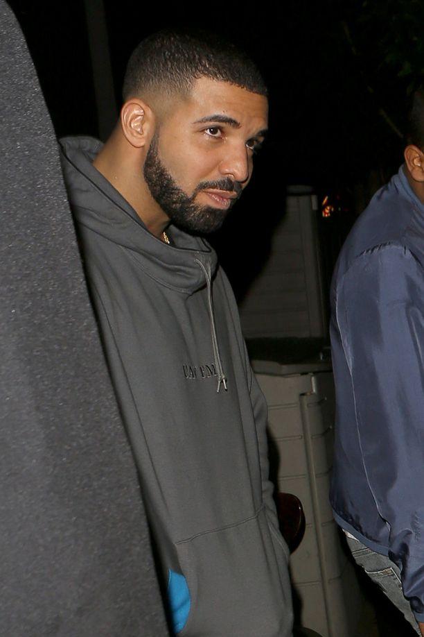 Drake ja Rihanna viettivät konsertin jälkeen iltaa The Nice Guy -yökerhossa.