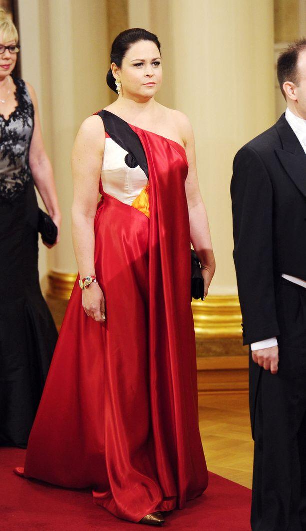 Teija Vesterbacka Angry Birds -puku herätti huomiota vuoden 2011 juhlissa.