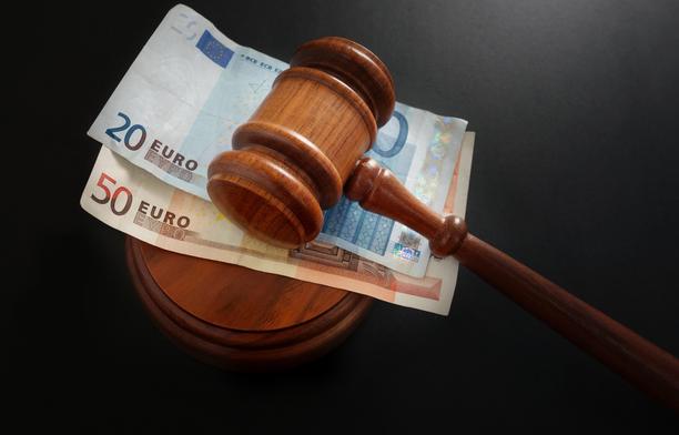 Hovioikeus muutti käräjäoikeuden päätöstä palkkakiistassa.