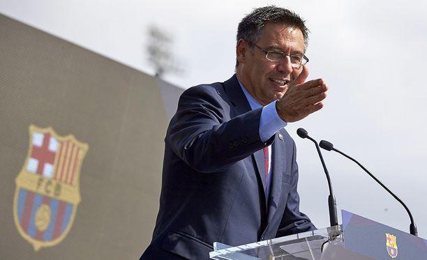 FC Barcelonan puheenjohtaja Josep Maria Bartomeu haluaa pitää jalkapallon ja Katalonian itsenäistymispyrkimykset erillään.