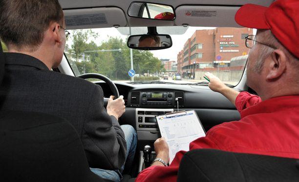 Myös ajo-opetus uudistuu.