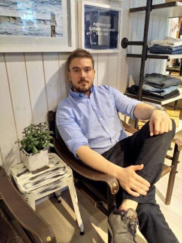 Bad Santa -yrityksen toimitusjohtaja Jens Lönnqvist uskoo, että alkoholipitoisesta jäätelöstä tulee kesähitti.
