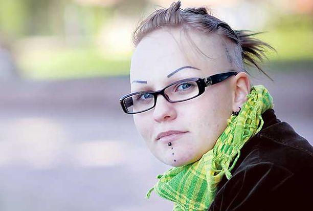 Prostituutio on 23-vuotiaalle Elina Tiilikalle taaksejäänyttä elämää.