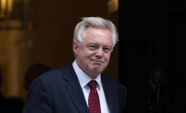Ministeri David Davis valmistelee Britannian eroa EU:sta.