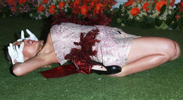 Nähdäänkö tämä poseeraus tulevina vuosina Oscar-gaalan punaisen maton vakiona?
