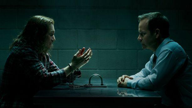Kyle Gallner näyttelee Eric Fisheriä, jonka hahmo perustuu Bruce Liskeriin. Peter Sarsgaard on rikosetsivä David Russell.