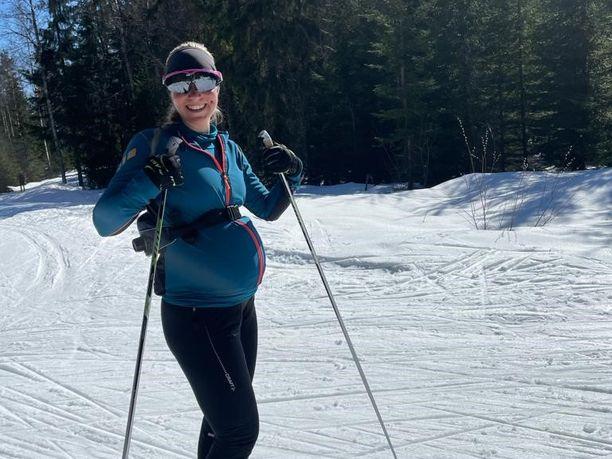 Susanna Ylinen kävi tekemässä 100 kilometrin hiihtolenkin kolme päivää ennen synnytystä.