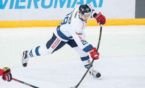 Sakari Salminen edusti Leijonia viime vuonna Karjala-turnauksessa.
