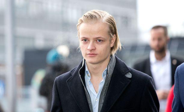 Marius nähtiin pitkästä aikaa julkisuudessa Norjassa jouluna, kun hän osallistui kuningasperheen joululounaalle.