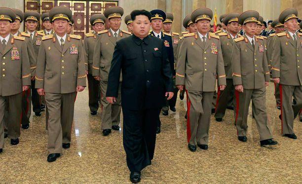 Pohjois-Korean johtaja Kim Jong-un reagoi virkamiesten ja upseereiden niskurointiin julmasti. Hän on tiettävästi teloittanut lukuisia korkea-arvoisia alaisiaan tänä vuonna.