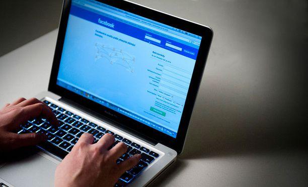 Facebook-profiilitietojen siivoaminen arkaluontoisesta materiaalista ei välttämättä riitä, sillä tykkäykset voivat paljastaa käyttäjästä yllättäviäkin seikkoja.