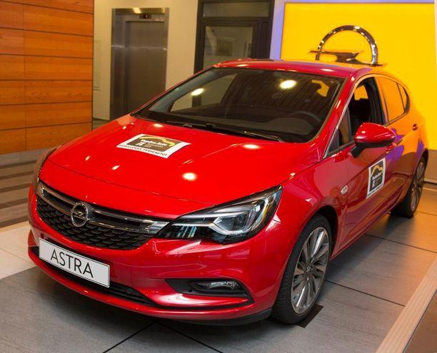 Opel Astra voitti perheautojen ja lukijasarjan Iltalehden Vuoden Auto -kilpailussa viime vuonna.