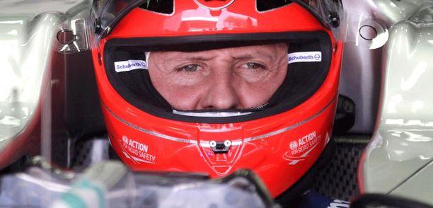 Entinen F1-tähti Michael Schumacher loukkaantui vakavasti viime joulukuussa.