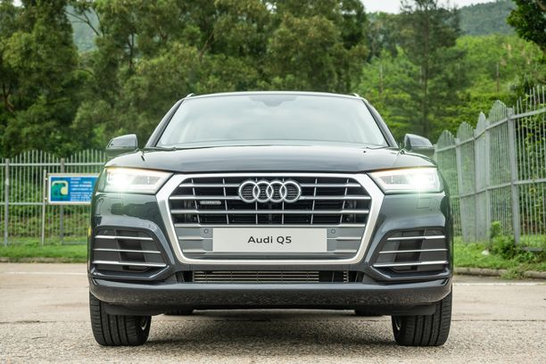 Kuvassa oleva Audin Q5-malli on yksi takaisin kutsuttavista automalleista.
