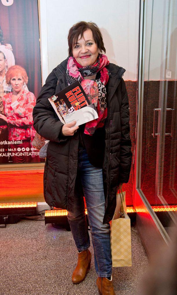 Riitta Havukainen saapui katsomaan tuoreeltaan hyvän ystävänsä ja kollegansa Eija Vilppaan suoritusta Flirttikurssi 55+ -näytelmässä.