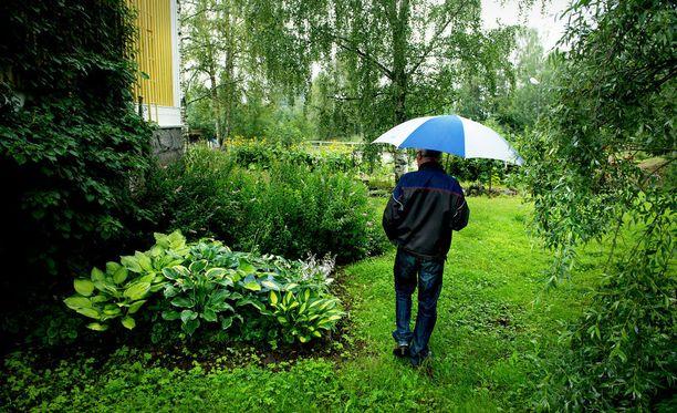 Sateenvarjolle on alkuviikosta käyttöä.