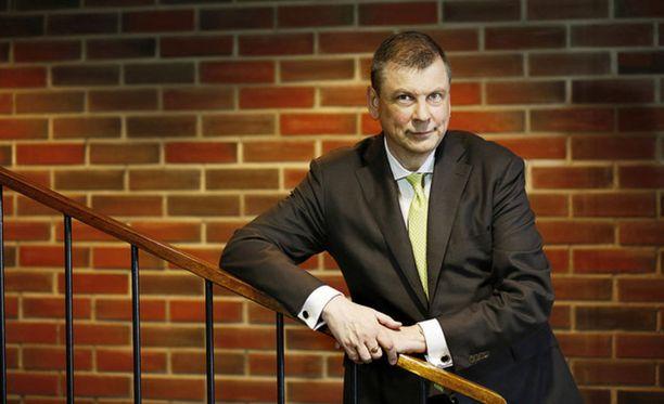 EK:n Ilkka Oksala vastustaa SAK:n mielenilmausta.