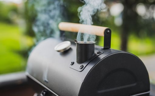 Kolme yllättävää ruokaa, jotka kannattaa valmistaa savustamalla