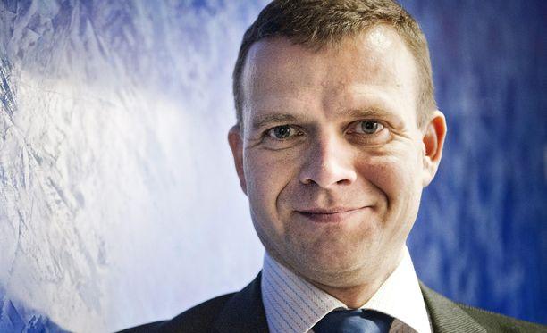 Petteri Orpo kertoo pyytäneensä Sauli Niinistöä kokoomuksen ehdokkaaksi ensitapaamisella kokoomuksen puheenjohtajana.